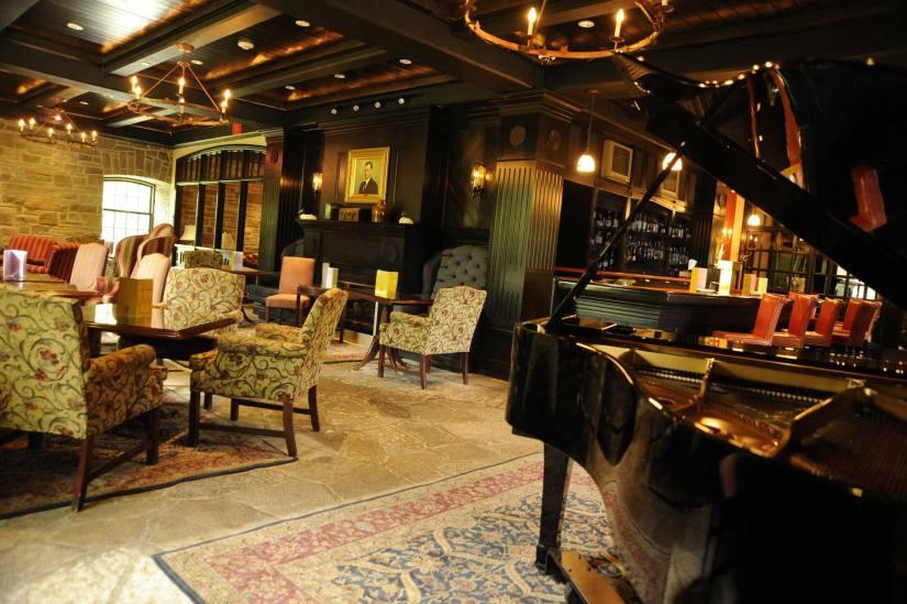 Home-Smith-Bar-1-OMTSS.jpg
